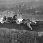Descansando sobre una viga, Charles Ebbest