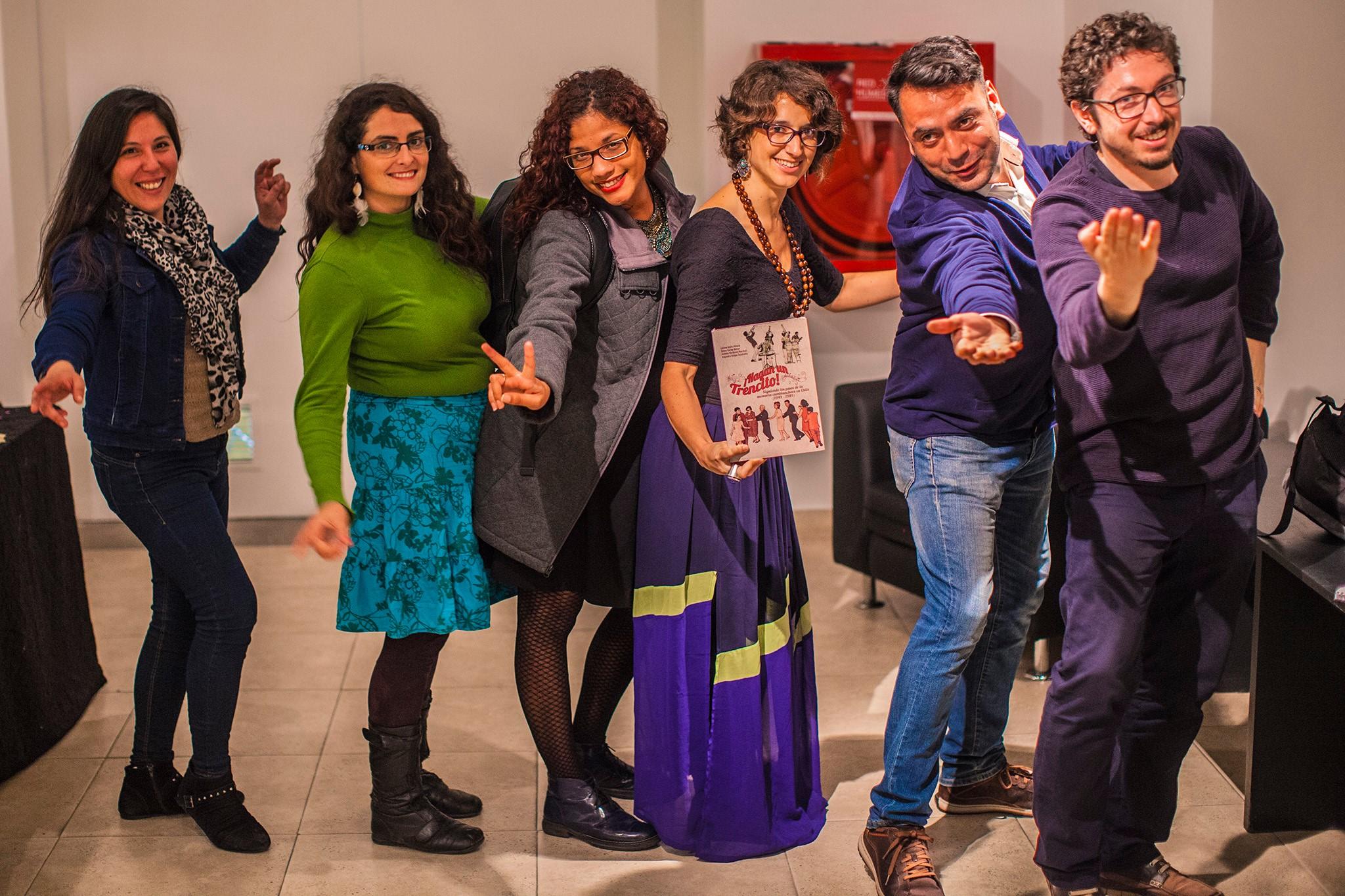 Equipo productor del lanzamiento, de izquierda a derecha: Joy Novoa, Amanda Borgoño, Nina Sepúlveda, Antonia Mardones, Cristóbal Millas y Patricio López.